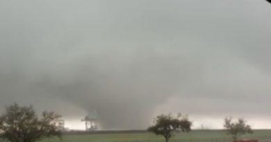 nasa-tornado-destruye-fabrica-de-cohetes-538489