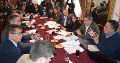 Dialogo-autoridades-Legislativo-empresarios