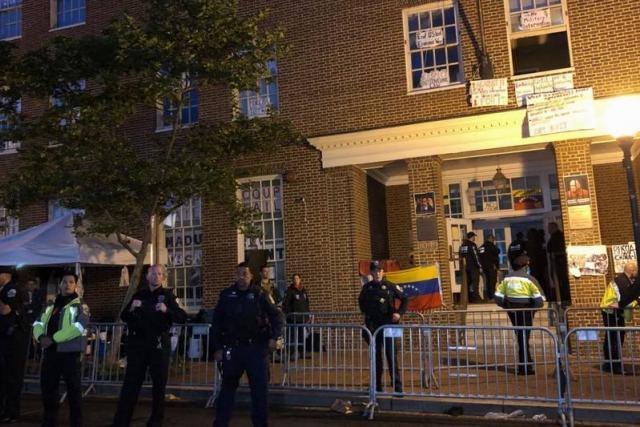 embajada venezuela tomada