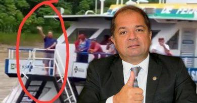 Deputado com suspeita de coronavírus descumpre quarentena e participa de evento