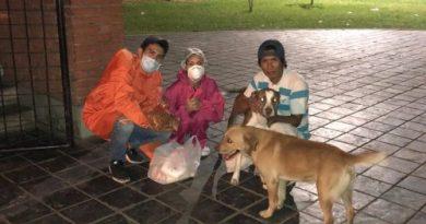 Estudante acreana arrecada sacolões na Bolívia para ajudar famílias carentes durante pandemia